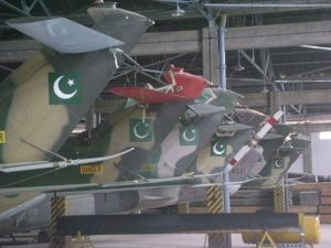 550px-Tail_wings_of_Pakistani_army's_Puma_330s
